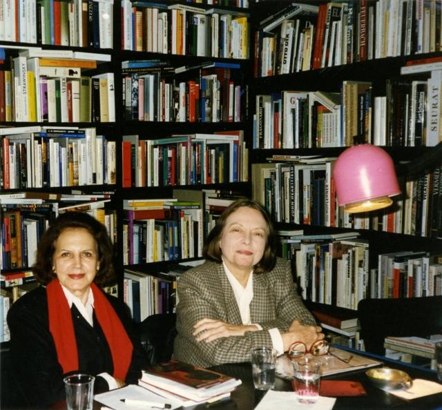 Lygia Fagundes Telles e Nélida Piñon. Alemanha, 1995. Foto: autor não identificado. Acervo Lygia Fagundes Telles/IMS