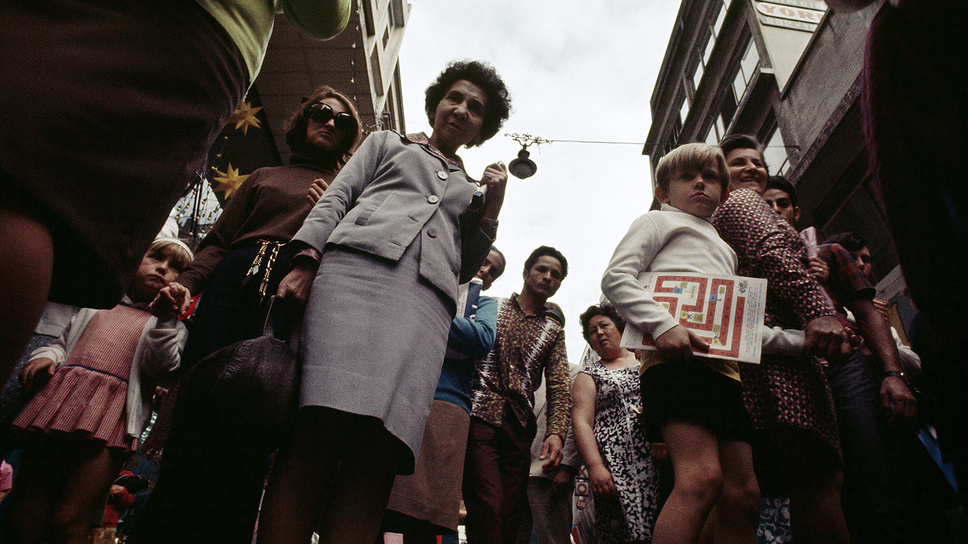 Cidade Gráfica - Rua Direita. São Paulo, 1970. Claudia Andujar.