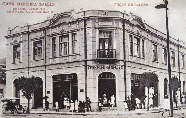 Fachada da Casa Moreira Salles. Poços de Caldas, MG, c.1925 (Arquivo WMS/Acervo IMS)
