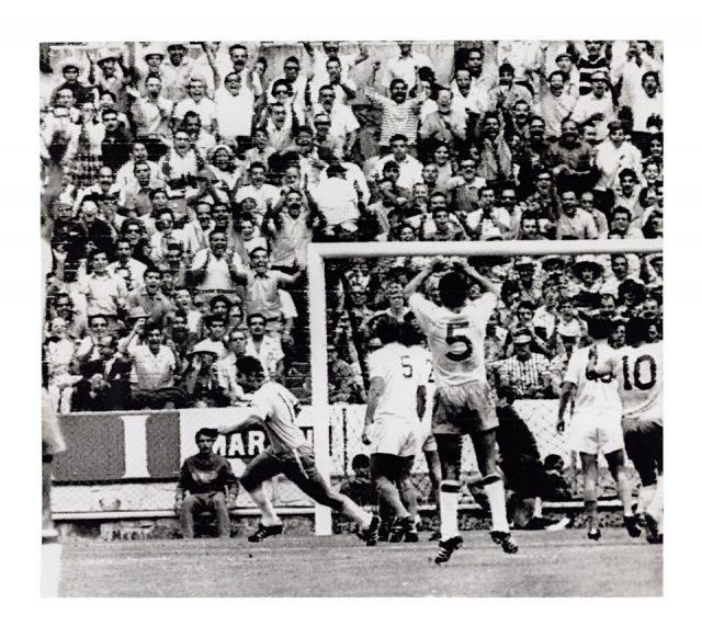 Gol de Rivelino contra a Tchecoslováquia (Arquivo Diários Associados/Acervo IMS)