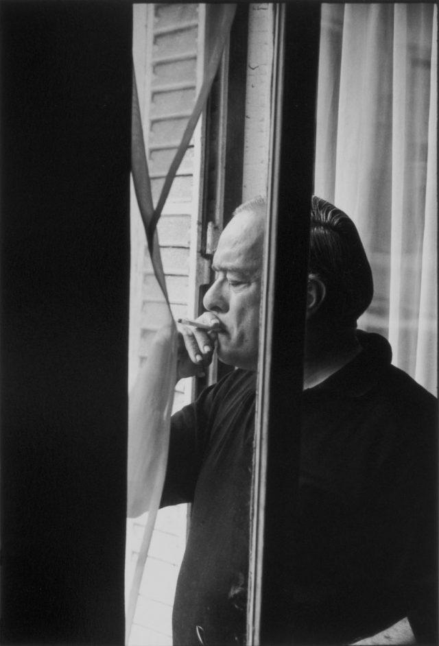 Vinicius de Moraes. Paris, 1966  © Alécio de Andrade