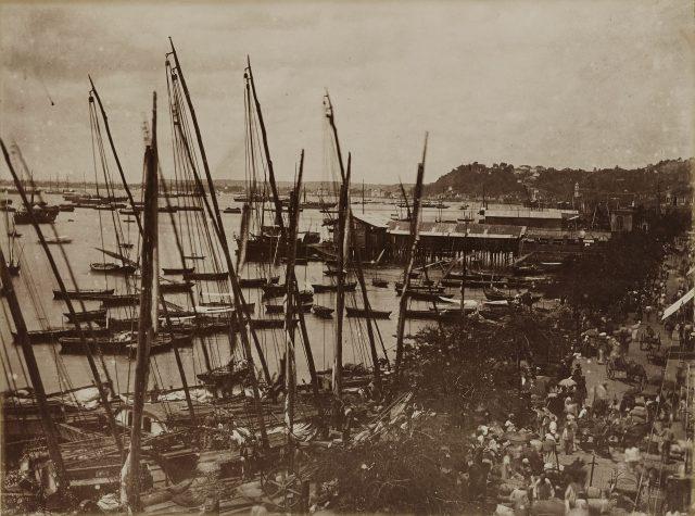 Embarcações no porto de Salvador. Salvador, BA, c. 1876. Foto de Marc Ferrez. Coleção Gilberto Ferrez / Acervo IMS