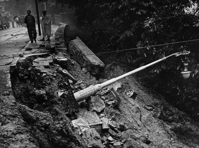 Desabamento em Santa Tereza – Arquivo Fotográfico dos Diários Associados, 14 de janeiro de 1966 (Arquivo Diários Associados-RJ/Acervo IMS)