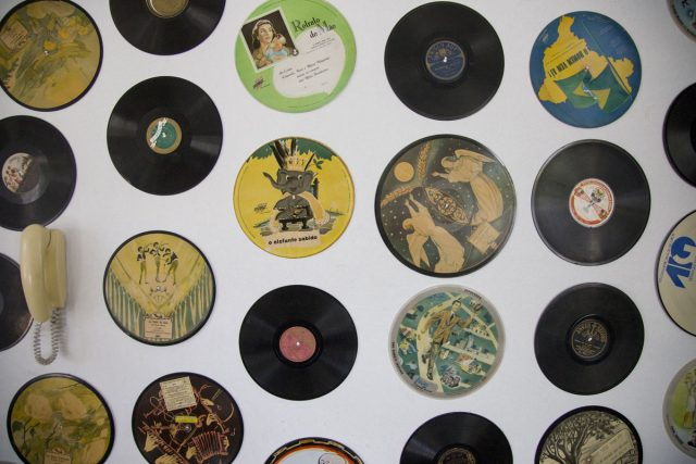 Discos do colecionador e pesquisador Leon Barg. Arquivo Leon Barg / Acervo IMS. Foto de Konrahd Karam