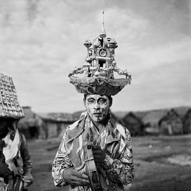 Guerreiros, c.1956. Maceió, Alagoas. Foto de Marcel Gautherot / Acervo IMS