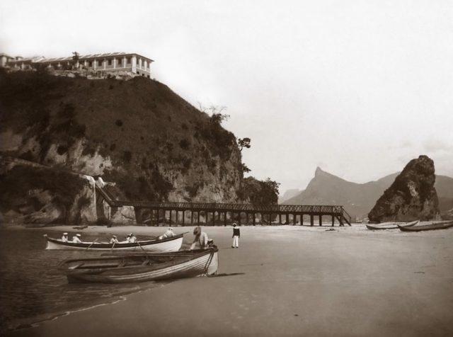 Praia da Boa Viagem, c. 1880. Niterói, Rio de Janeiro. Foto de Marc Ferrez. Coleção Gilberto Ferrez / Acervo IMS