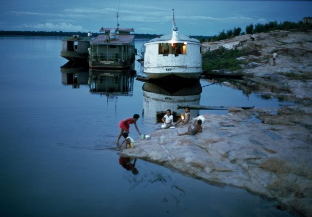 Expedição ao rio Negro, 1975, Amazônia. Foto de Thomaz Farkas © Thomaz Farkas State/ Acervo IMS