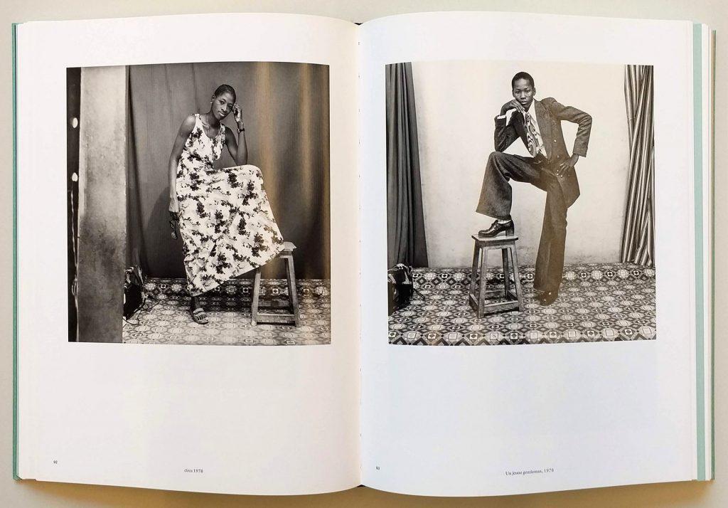 Páginas de <em>Mali Twist</em>, de Malick Sidibé, que integra a exposição <em>Indumentárias negras em foco</em>