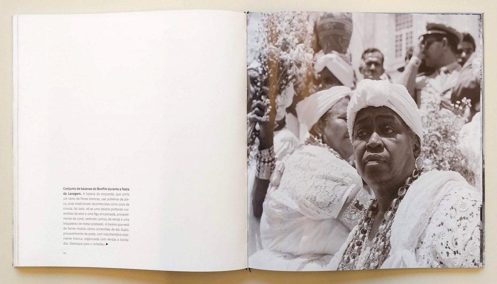 Páginas de <em>Moda e história: as indumentárias das mulheres de fé</em>, de Pierre Verger e Raul Lody, que integra a exposição <em>Indumentárias negras em foco</em>