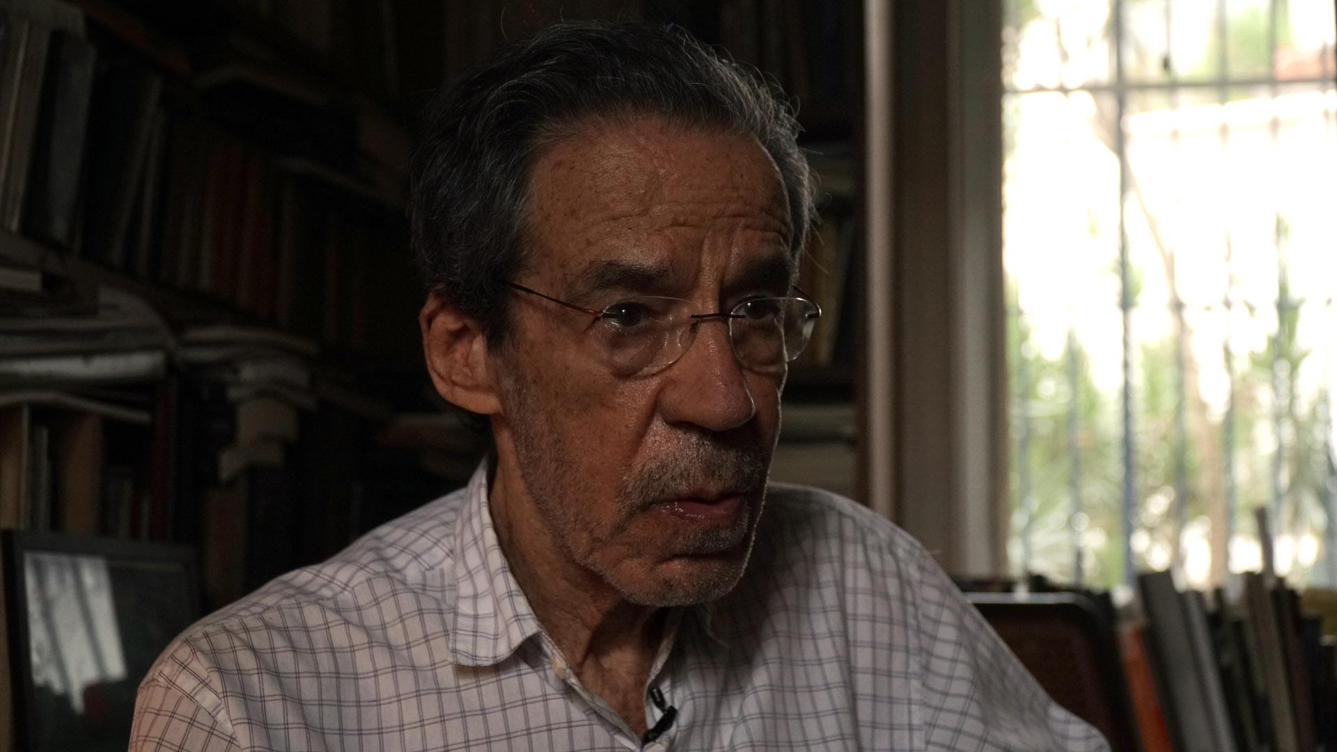 Armando Freitas Filho em sua casa
