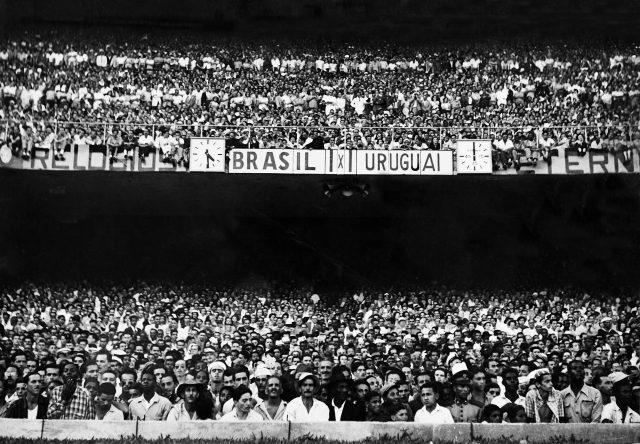 16h29: Brasil 1 x 1 Uruguai (Foto arquivo Diários Associados-RJ/Acervo IMS)