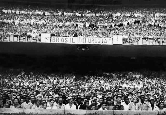 16h15: Brasil 1 x 0 Uruguai (Foto arquivo Diários Associados-RJ/Acervo IMS)