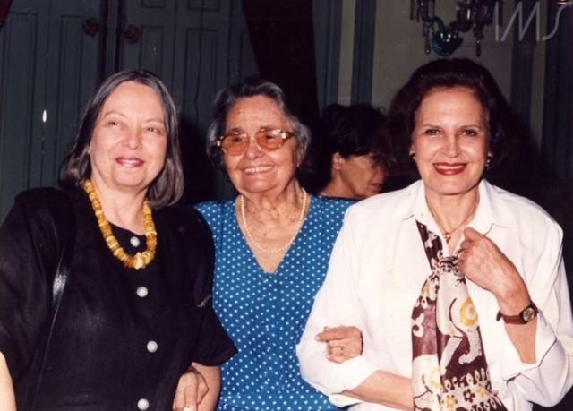 Nélida Piñon, Rachel de Queiroz e Lygia Fagundes Telles na Academia Brasileira de Letras. Rio de Janeiro, 1994. Foto: autor não identificado. Acervo Lygia Fagundes Telles/IMS.